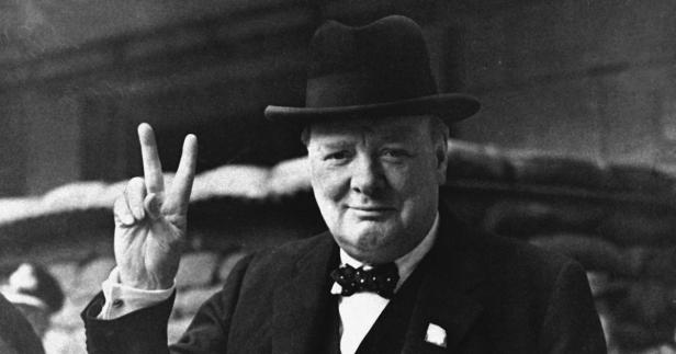 churchill-v-for-victory-ap410827011
